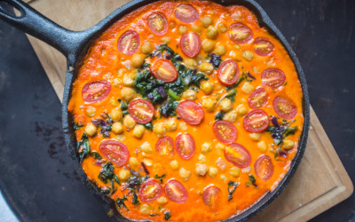 roasted-red-pepper-chickpea-and-spinach-curry